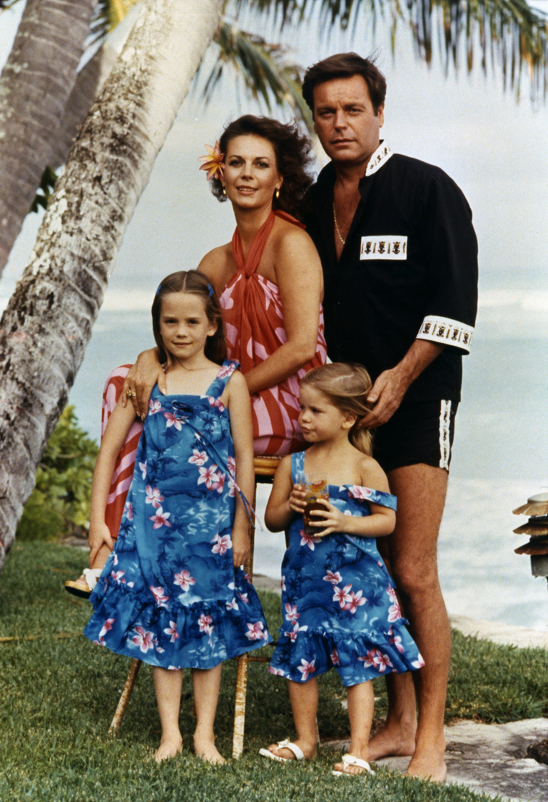 Natalie Wood, Robert Wagner, Courtney Wagner, Natasha Gregson Wagner in Hawaii. (1978)