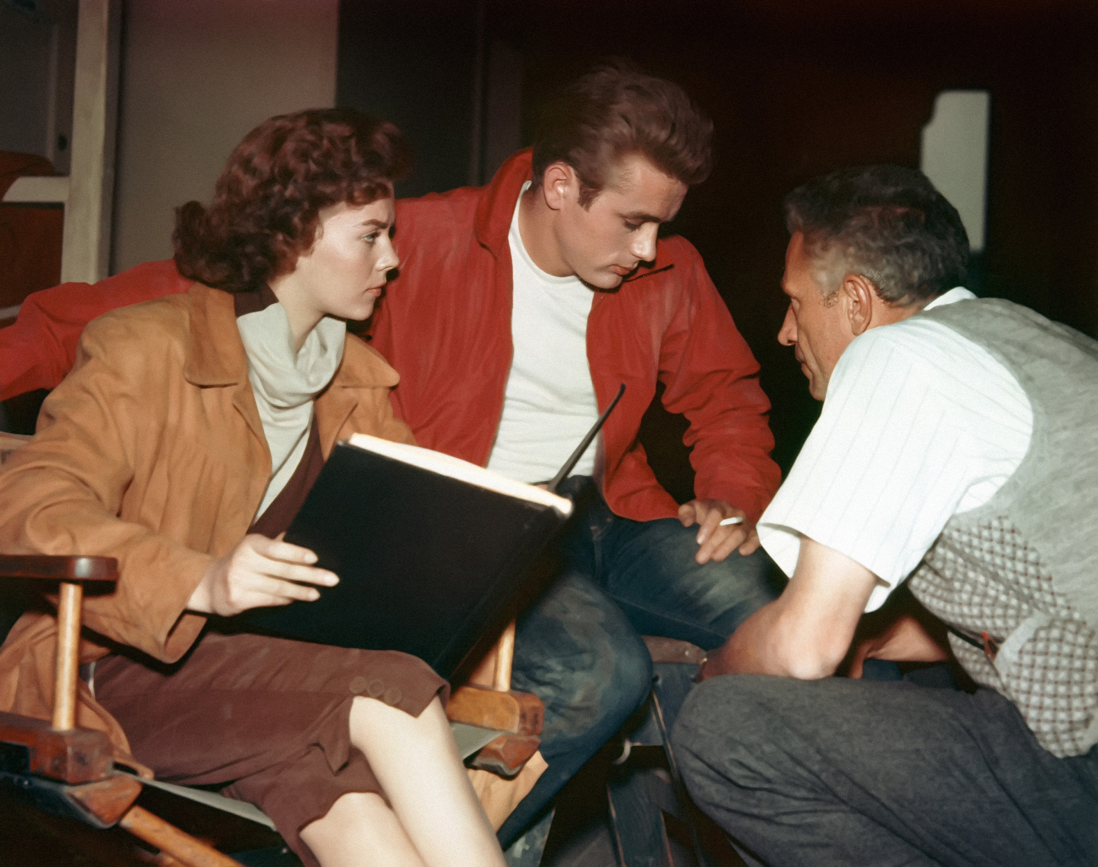 Natalie Wood, James Dean, and director Nicholas Ray behind the scenes of Rebel Without A Cause (1955)