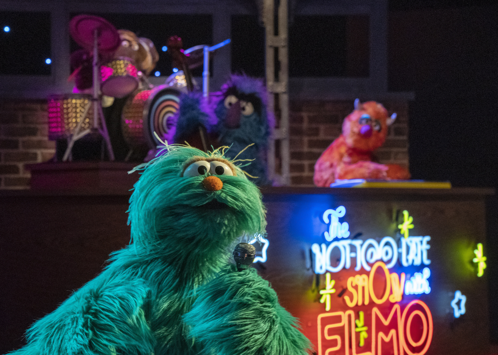 The Not Too Late Show with Elmo