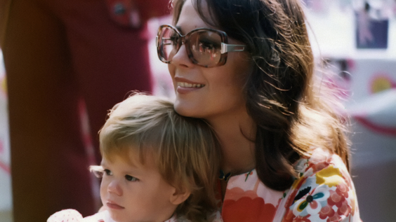 Natalie Wood and her daughter, Courtney Wagner, at Natasha's 5th Birthday Party (1975)