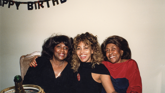 Tina Turner (center) with her sister Alline Bullock (left), and her mother Zelma Bullock (right)