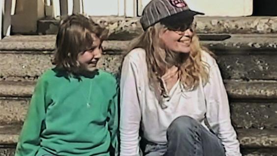 Dylan Farrow, Mia Farrow